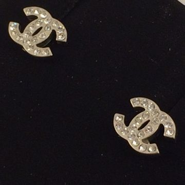 CHANEL A26210 SILVER COSTUME CRYSTAL EARRINGS